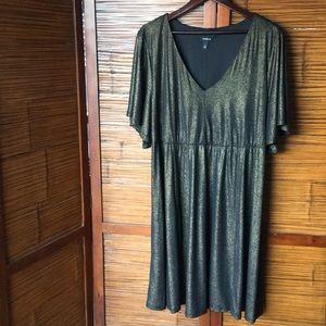 Black/Gold Shimmer Dress by Torrid Size 3
